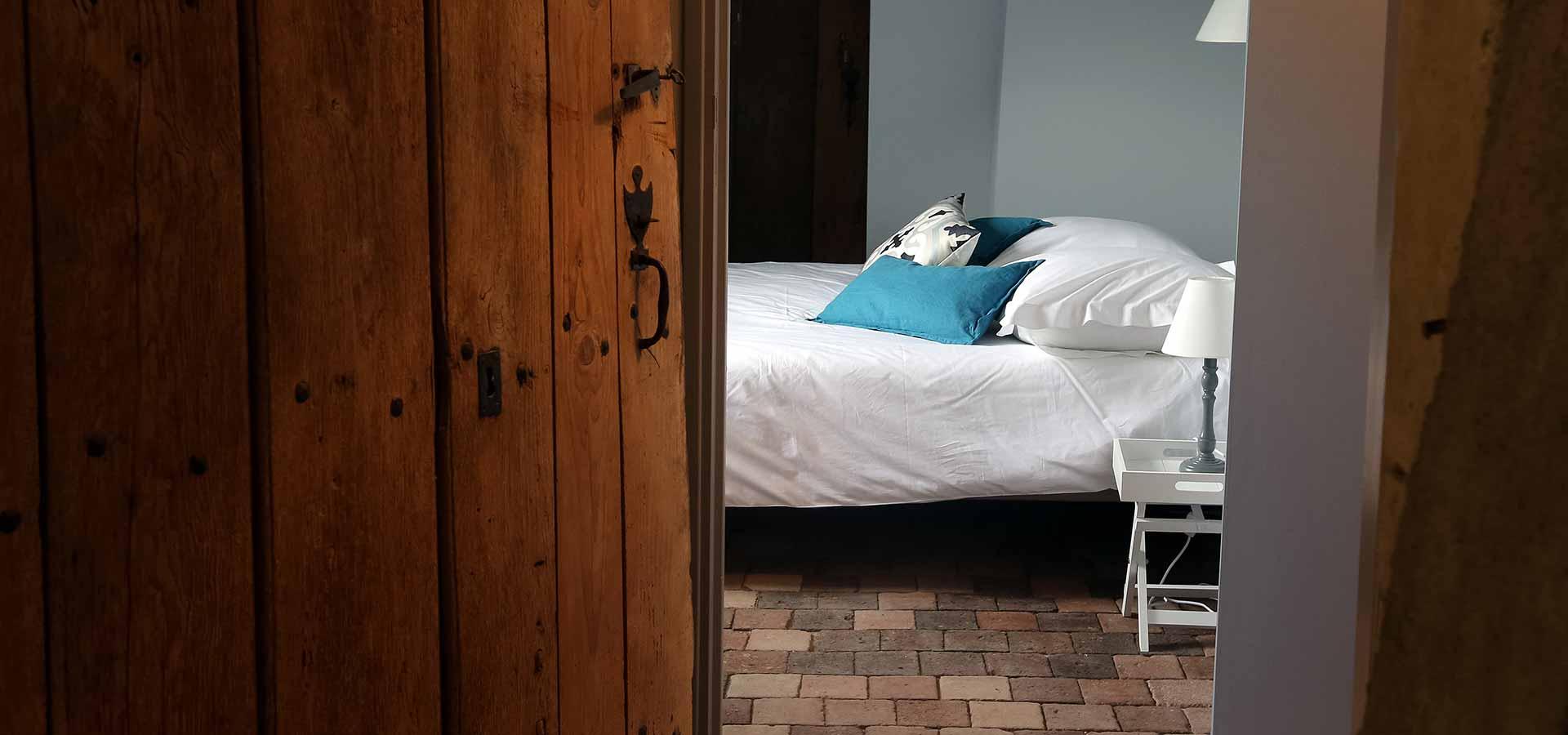 Décoré avec soin, le Gîte des Barres dispose de plusieurs chambres pour accueillir vos invités dans la région de Tours.